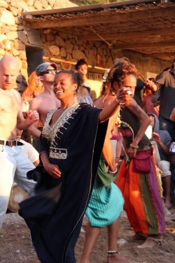 Benirras dancing
